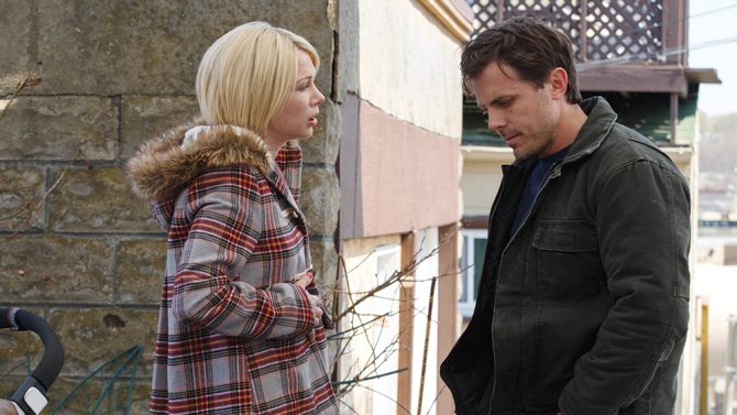 Michelle Williams e Casey Affleck em Manchester à Beira-Mar(Amazon Studios)